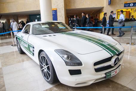 dubai-police-car
