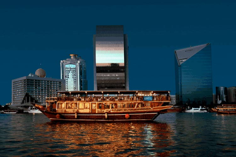 Dubai-Creek-in-Dhow-Cruise