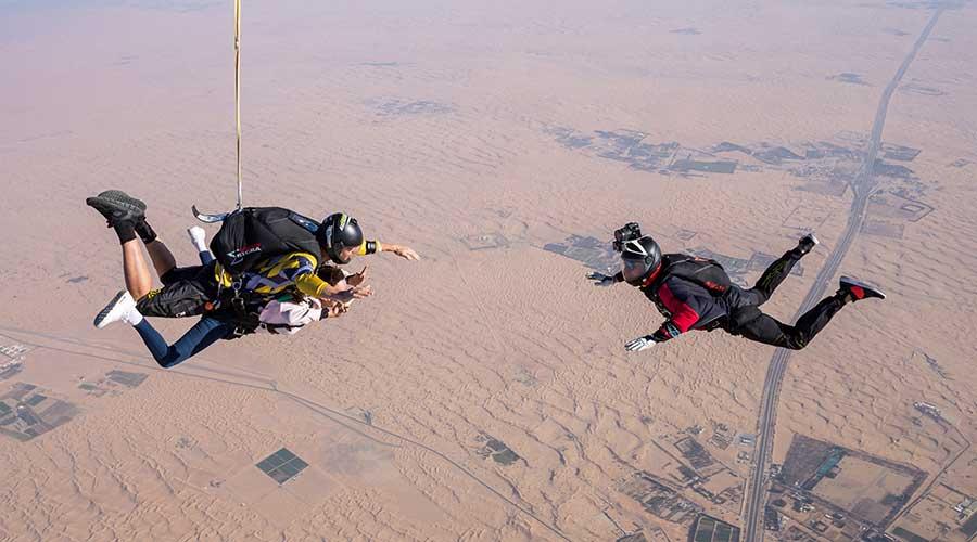 Sky Diving In Dubai Desert